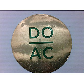 DO AC Round Magnet Gold Shimmer Background